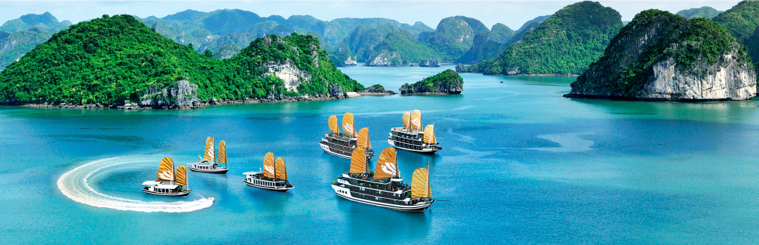 Hạ Long Bay – simply the world's heritage of thousands islets on green sea